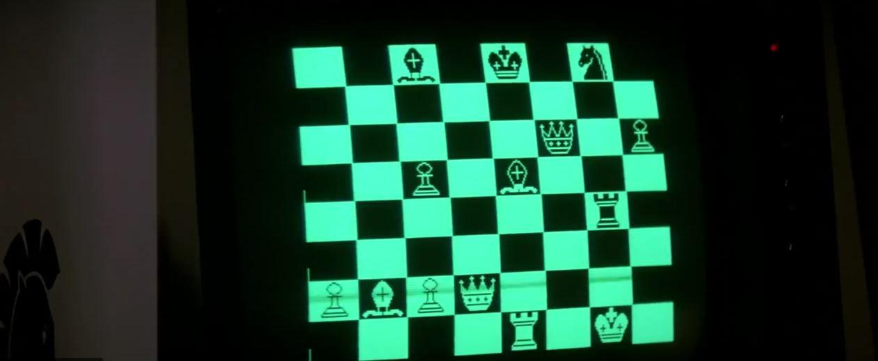 Film The Thing Kurt Russel joue aux échecs